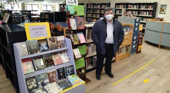Exposición de la Primavera en la Biblioteca municipal