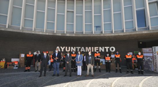 Santa Marta acoge el acto anual de entrega de material de Protección Civil en la provincia