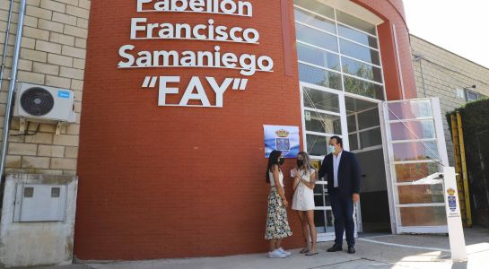 "Sentido homenaje a ""Fay"", que desde ahora da nombre al pabellón municipal de Santa Marta"