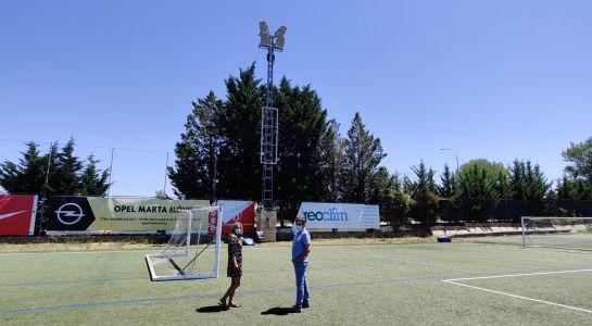 El campo municipal de fútbol estrena iluminación