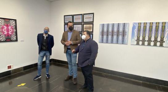 El artista Carlos Pérez muestra sus imágenes digitales, pintura y serigrafía