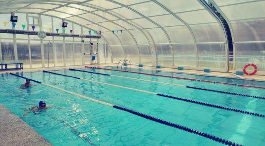 La piscina climatizada registra un incremento en el número de usuarios, situándose en cifras anteriores a la pandemia con 600 inscritos