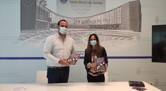 La escritoria santamartina María Hernández presenta su libro Un viaje de mil millas