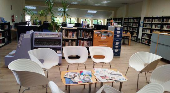 Exposición en la biblioteca para celebrar el Día del Medio Ambiente
