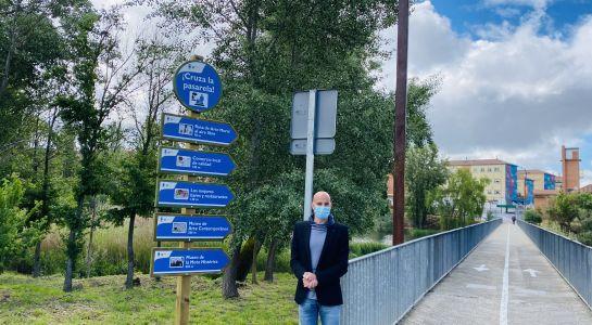 El Ayuntamiento instala nueva señalización en la Isla del Soto para atraer a más turistas