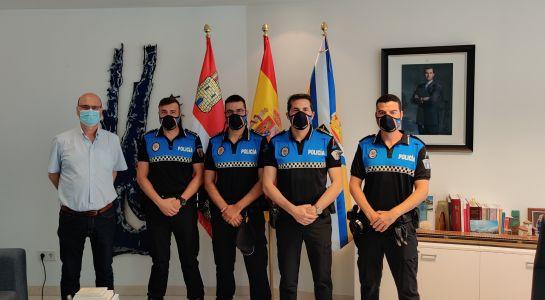 Toma de posesión de los nuevos miembros del Cuerpo de Policía