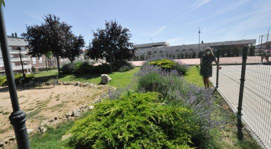 El Ayuntamiento instala un nuevo vallado de seguridad en la pista de Las Nieves